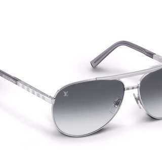 Louis Vuitton Attitude Pilote Sunglasses