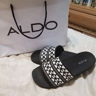 ALDO slides reduced price