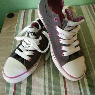 authentic pony size 6 grey and pink