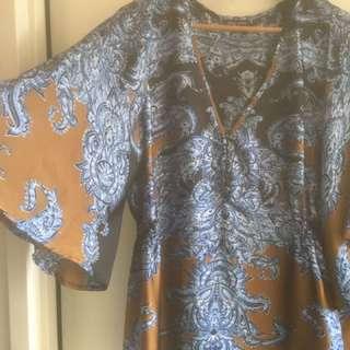 City Chic S women's Top Bell Sleeve Sz14/18