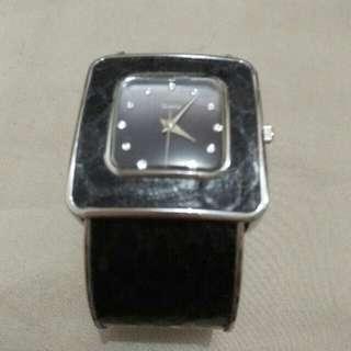 jam tangan gelang oriflame