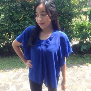 Blue electric blouse