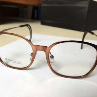 Spectacle Red-bronze
