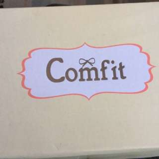 Comfit White Sneakers