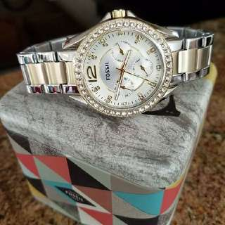 Authentic FOSSIL Watch For Ladies ES3723,38mm P6,750 (7,250)  #sweldosale