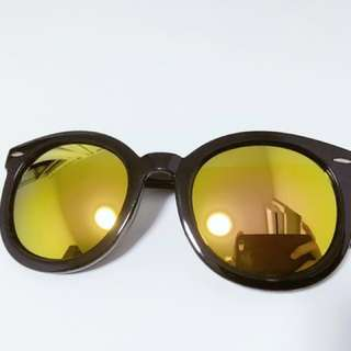 Sunglasses Reflective Arrowhead