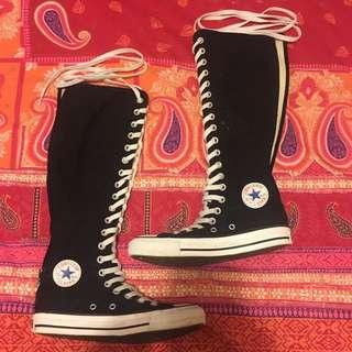 Black/white Converse Size 35/5