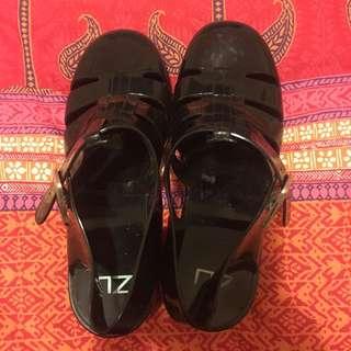Zu Black Jelly Sandals