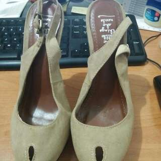 The little things she need size 37