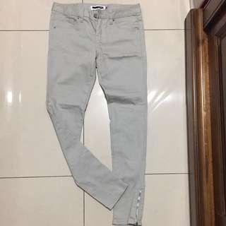 H connect 全新淺灰色窄管褲