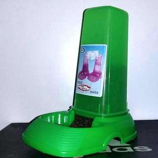 UNIPET Turnable Bottle Dispenser