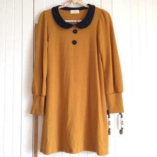 日本w closet品牌 銘黃拼接深藍色圓領復古可愛 秋季棉絨布材質 高質感洋裝