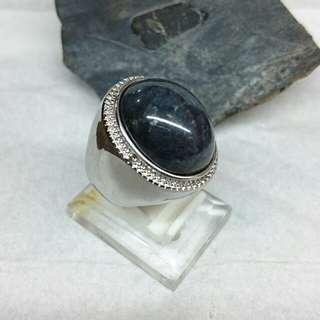 Badar Besi Hitam / Magnetic Stone