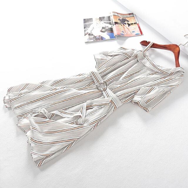 日系風露肩短袖條紋鬆緊腰連身裙