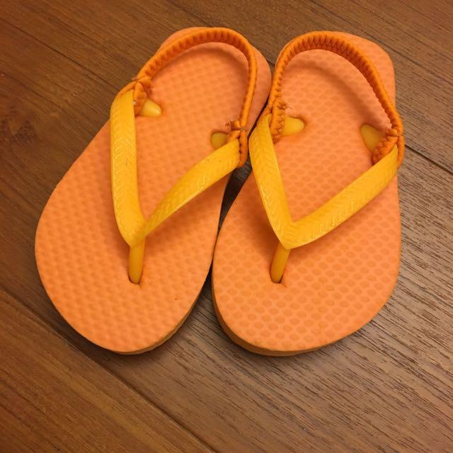 橘色夾角涼鞋