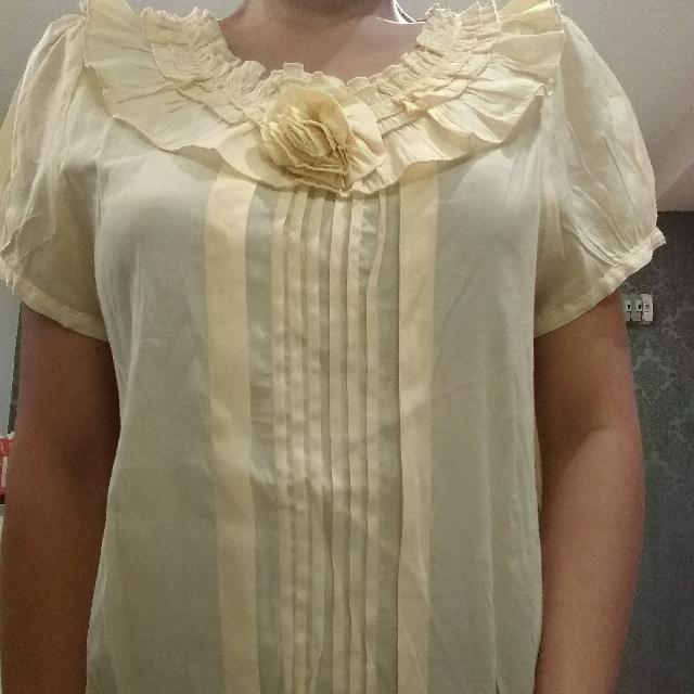 baju atasan wanita kuning bunga