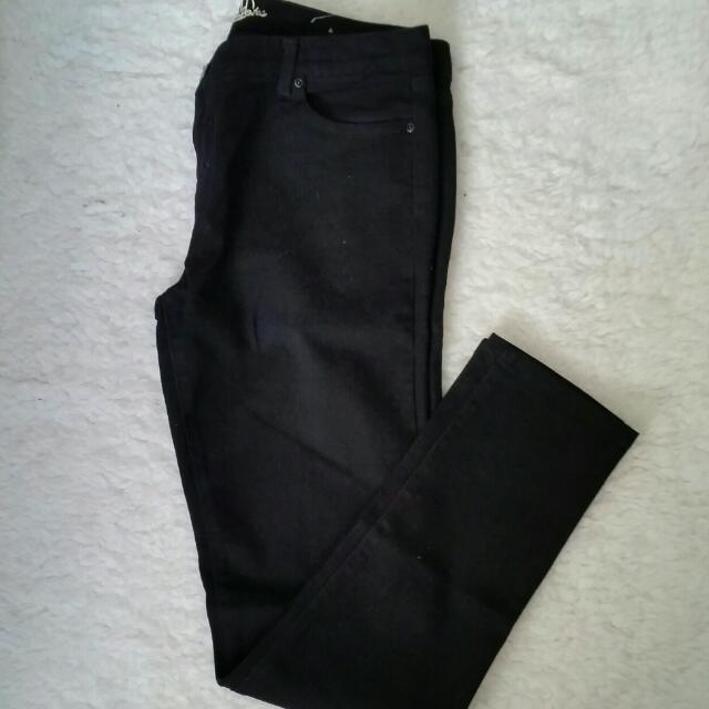 Bluenotes Black Skinny Straight Size 12 Jeans
