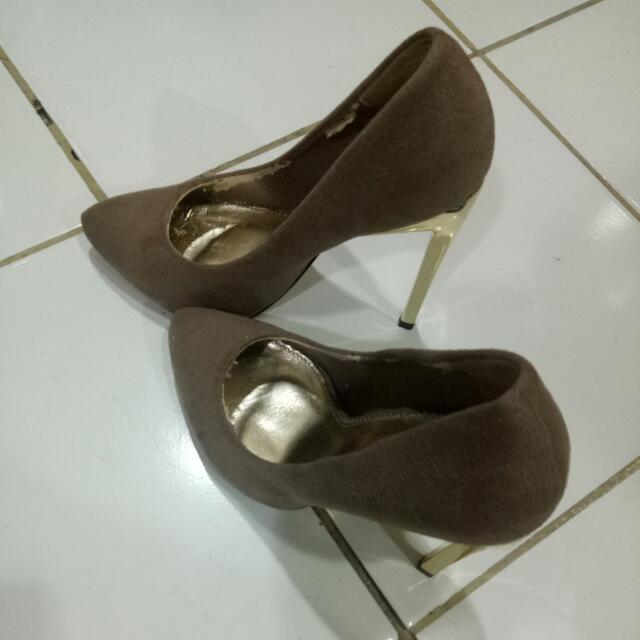 Brown High Heels VnC