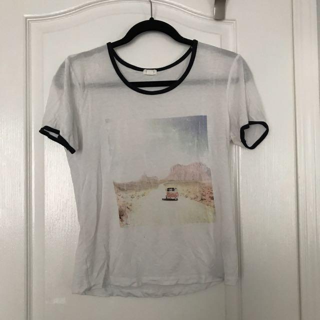casual graphic tshirt