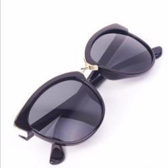 EVE Sunglasses: kanta Hitam dan Emas Edge