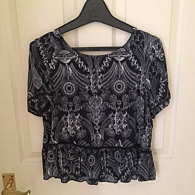 Glassons patterned top