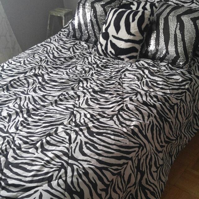 Gorgeous Zebra Bed Set