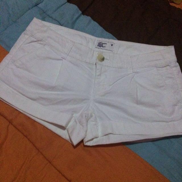 Hotpant putih