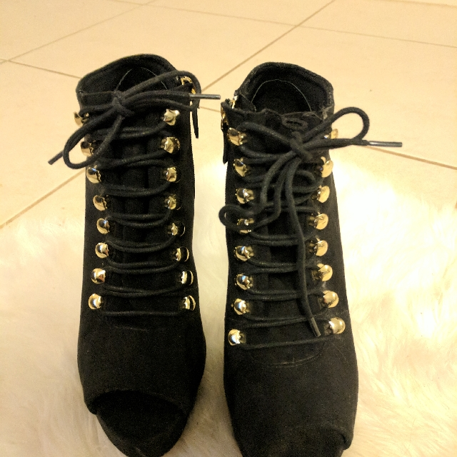 Lace Up Boots Size 8