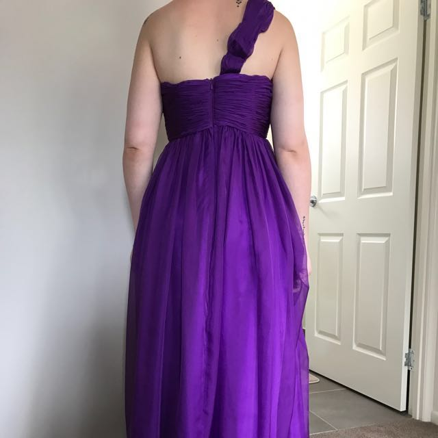 Ladies Size10 (small 12) Gown
