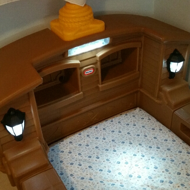Little Tikes -Pirate Ship Toddler Bed