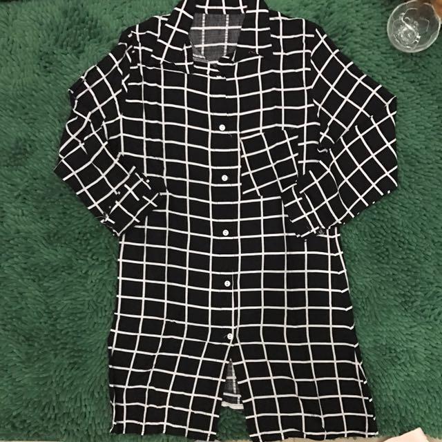 Long monochrome stripe black shirt