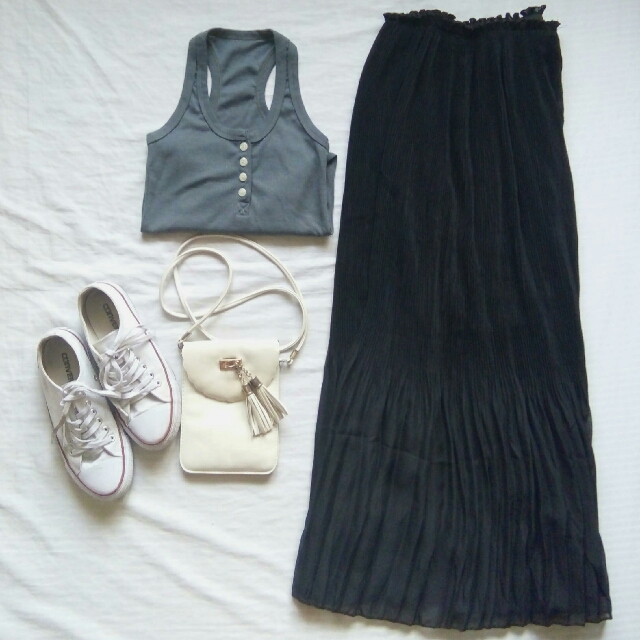 Long Pleated Skirt w/ FREE