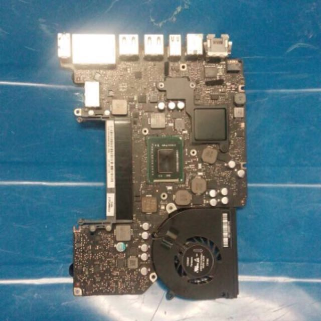 Macbook Pro A1278 With i5 Processor main board with three month warrenty