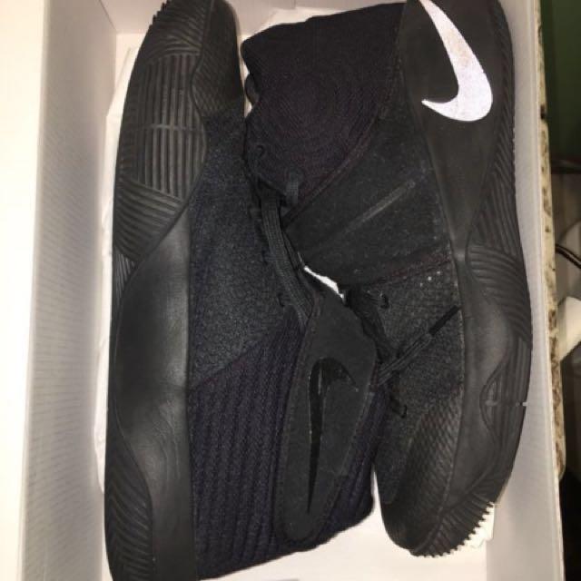 37daa205f9c5 Nike Kyrie 2 all black Basketball shoes