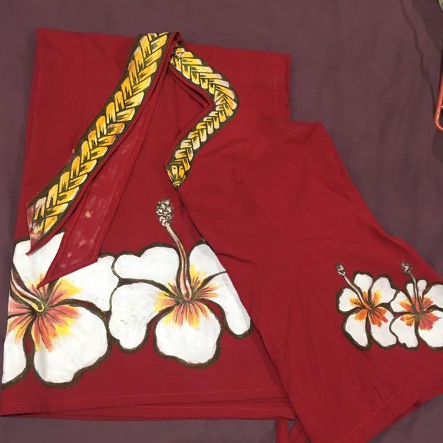 Samoan wear (puletasi)