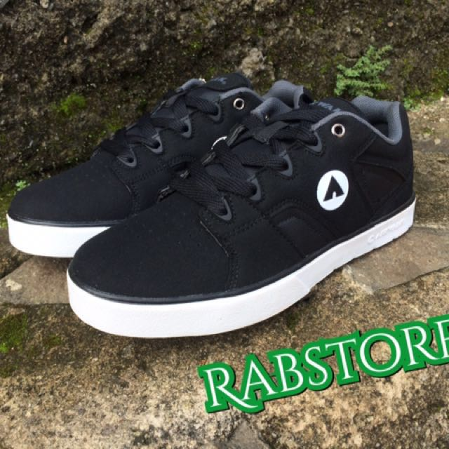 Sepatu Airwalk Original Homer Black
