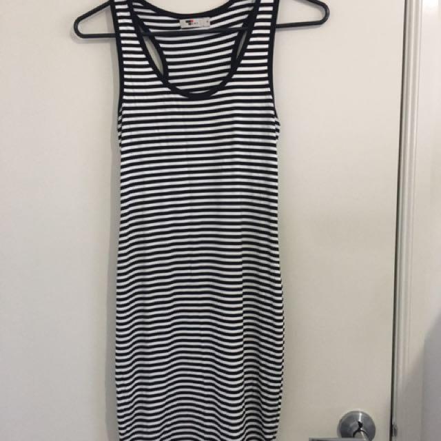 Temt Dress - Size 8