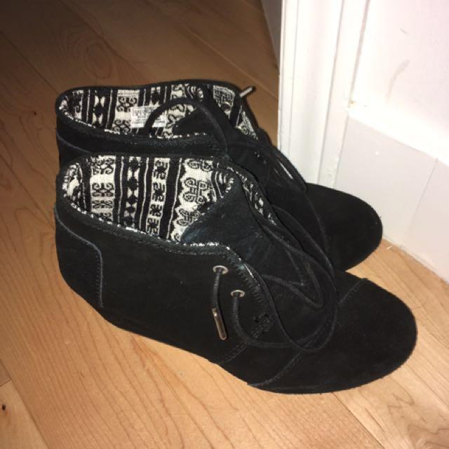 Toms suede heels