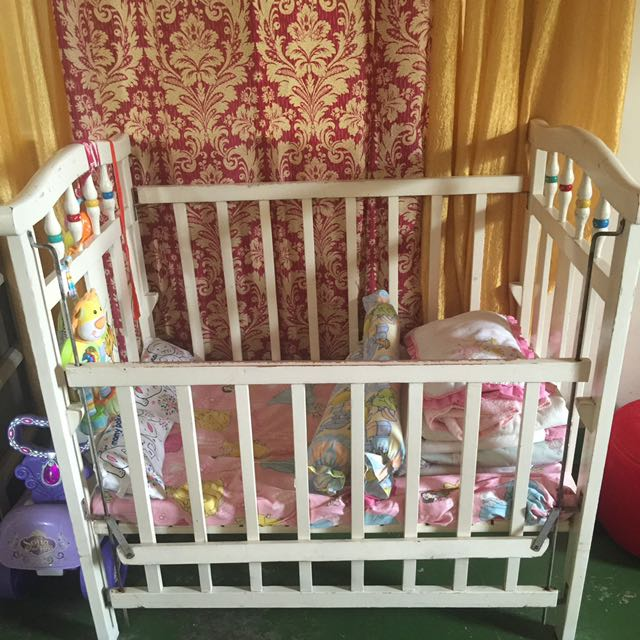 White Crib Size M-suitable For Newborn Up 1yr