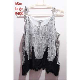 H&M Sleeveless Black and White Sleeveless Top with Lace Details