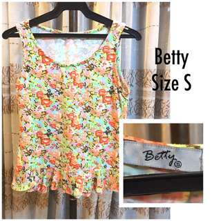 Betty floral top