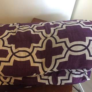 Queen size comforter with two pillow cases for