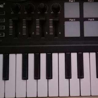 Worlde Panda Midi Launchkey Keyboard