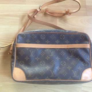 Authentic Louis Vuitton Monogram Trocadero 30 Shoulder Bag