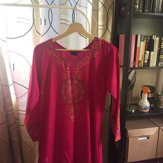 Pink jubah (first lady)