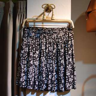 椿花二手衣-超舒服棉質黑白小碎花鬆緊腰頭短裙