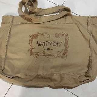 Huge Shoulder Bag