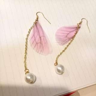 (贈品)粉色蝴蝶翅膀珍珠耳環