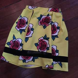 Preloved yellow skirt