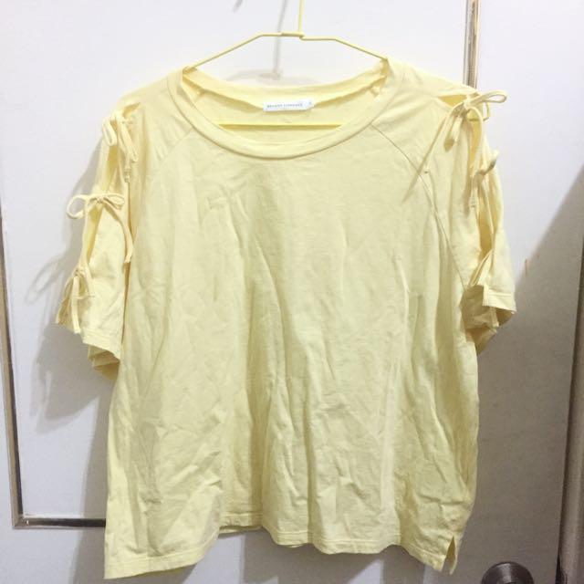 日本古著店購入~嫩黃色雙肩綁帶上衣